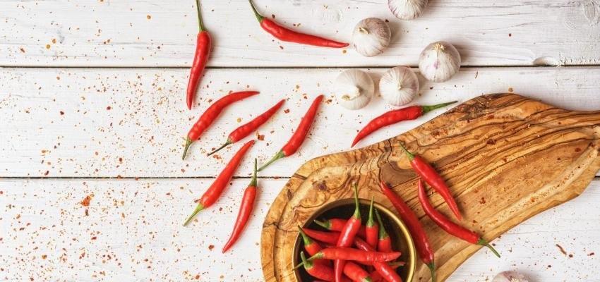 Rituel pour éloigner les esprits obsesseurs avec l'ail et le piment -  WeMystic France