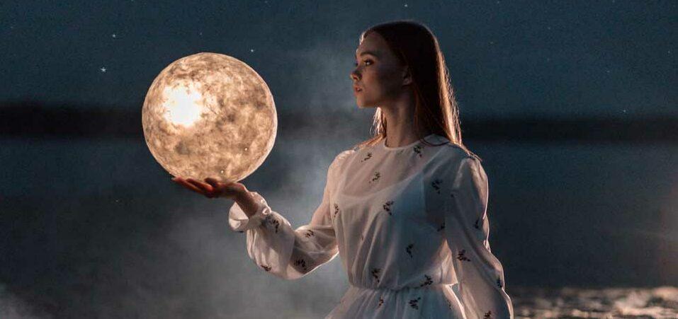 La Pleine Lune D Aout 2020 Effets Et Sorts Wemystic France